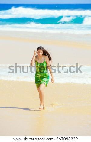 Hot mallu actress Sajini very romantic in