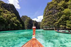 Beautiful turquoise ocean of Pileh Lagoon is a very beautiful place and one of the popular tourist attractions in Phi Phi Le island in Krabi, Thailand.