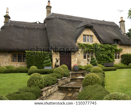 Beautiful Upper Class Cottage With Thatched Roof And A
