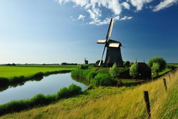 beautiful windmill landscape in the Netherlands, Schermerhorn, Schermer, Noord-Holland