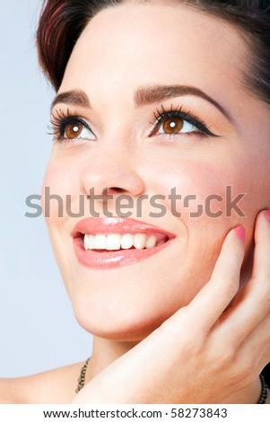 Lifestyle - Pagina 2 Stock-photo-beautiful-woman-closeup-head-shot-with-makeup-done-58273843