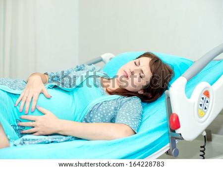 голое тело женщины беременной перед родами фото