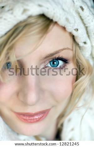 Beautiful young woman portrait with white hat