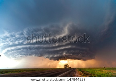 Beautifully Structured Supercell Thunderstorm In American Plains
