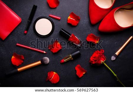 beauty cosmetic black...