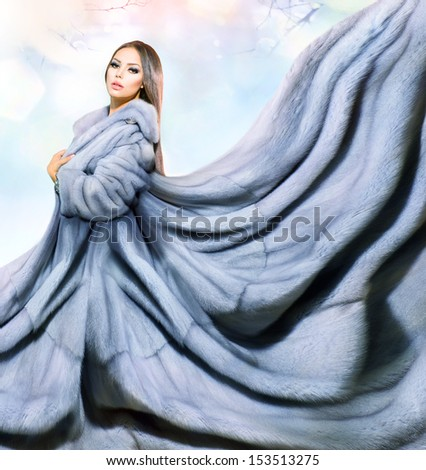 Beauty Fashion Model Girl In Blue Mink Fur Coat. Beautiful Luxury Winter Woman