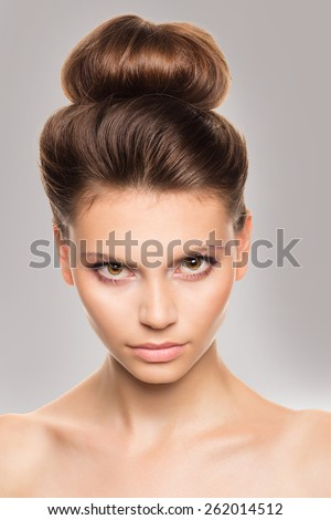Beauty Girl. Beautiful Young Woman with Fresh Clean Skin, Beautiful Face. Pure Natural Beauty. Perfect Skin. Spa portrait of the young and healthy woman