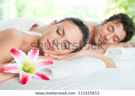 Beauty woman and man relaxing together during a spa treatment #111610652