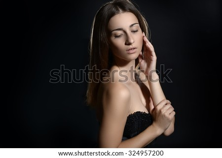 Beauty Woman with Perfect Make-up #324957200