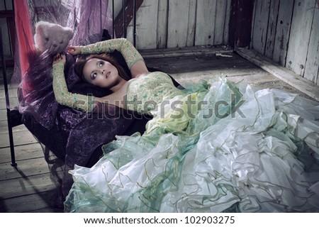 Beauty women lying in the bed