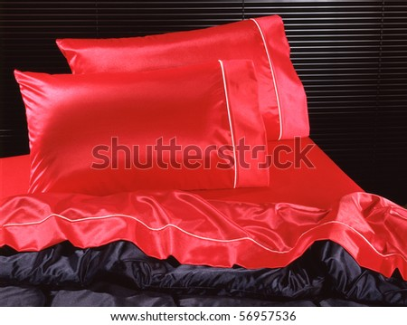 Bed set black and red silk