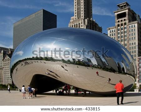"""Beeldhouwwerk van de Poort van de wolk (aka het de """"Boon""""), het Parkvan het Millennium, Chicago - stock photo"""