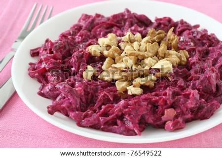 beet salad with walnut