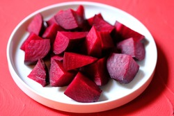 Beetroot (Beta vulgaris) is a root vegetable also known as red beet, table beet, garden beet, or just beet. Packed with essential nutrients, beetroots are a great source of fiber. Buah bit.