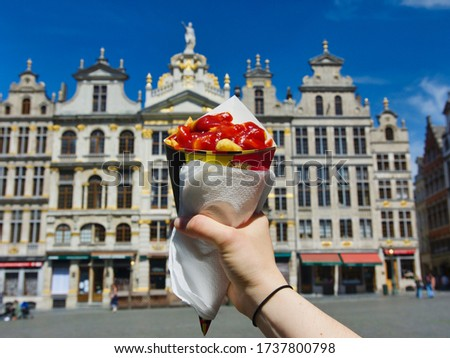 Belgian Fries or Frites Topped with Ketchup in Brussels, Belgium Photo stock ©