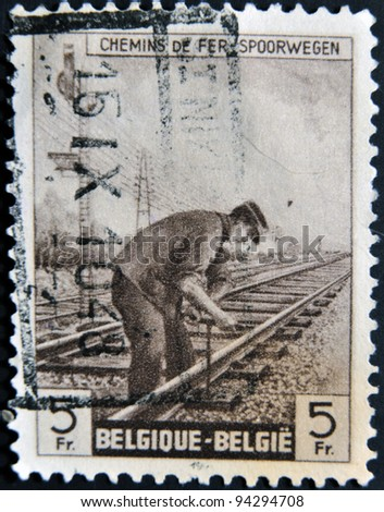 BELGIUM - CIRCA 1940: A stamp printed in Belgium shows railways spoorwegen, circa 1940