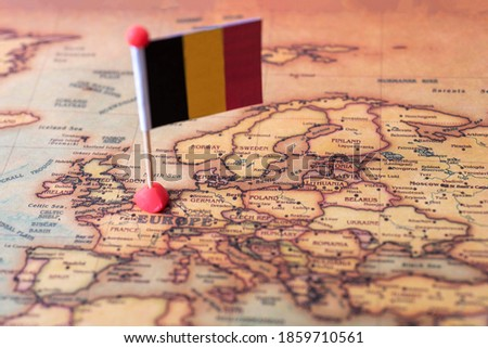 Belgium marked with a flag on the map. Flag of Belgium on the world map. The concept of travel and tourism. Foto stock ©