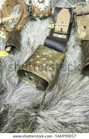 Bell clapper steel and iron to animals, objects