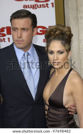 BEN AFFLECK & fiance JENNIFER LOPEZ at the Los Angeles premiere of their new movie Gigli. July 27, 2003  Paul Smith / Featureflash