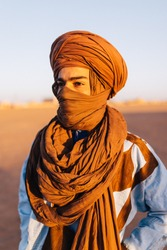 BERBER PORTRAIT IN THE SAHARA DESERT