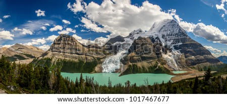 Berg Lake in Mt. Robson provincial park, Canada #1017467677