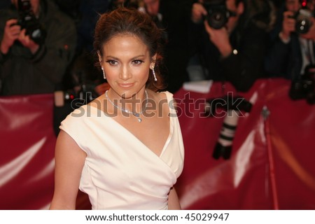 BERLIN - FEBRUARY 15:  Jennifer Lopez attends the premiere to promote the movie 'Bordertown' during the 57th Berlin  Film Festival  on February 15, 2007 in Berlin, Germany