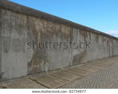 BERLIN, GERMANY - AUGUST 13: The Berlin Wall Memorial (Die Gedengstaette Berliner Mauer) celebrating 50 years since 1961 wall construction August 13, 2011 in Berlin, Germany