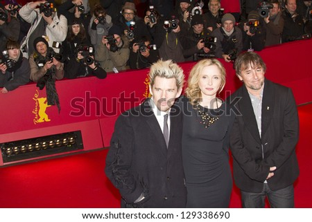 BERLIN, GERMANY - FEBRUARY 11:  Ethan Hawke and Julie Delpy attend the 'Before Midnight' Premiere during the 63rd Berlinale Festival at the Berlinale Palast on February 11, 2013 in Berlin, Germany.