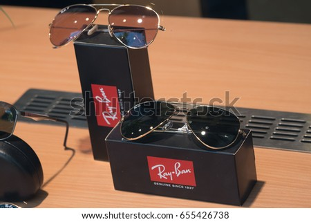 Vector ray ban wayfarer download free vector art free for Wayfare berlin