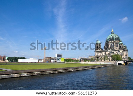 Berlins Dom, the river Spree and the Schlossplatz