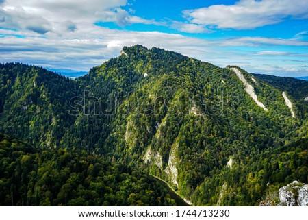 Beskidy mountains, three crowns (trzy korony) mountain, Dunajec river Zdjęcia stock ©