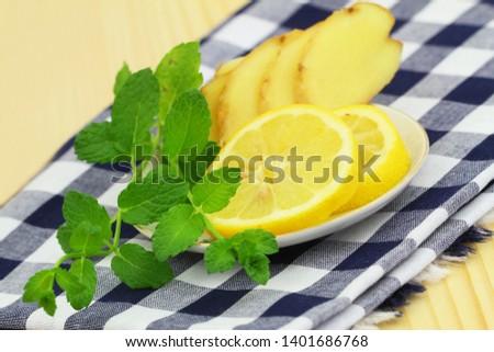 Best natural remedy for a flu: fresh lemon, fresh ginger and fresh mint  #1401686768