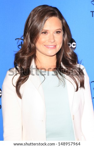 BEVERLY HILLS - AUG 4: Katie Lowes at the 2013 Television Critics Association's Summer Press Tour - Disney/ABC Party at The Beverly Hilton Hotel on August 4, 2013 in Beverly Hills, California
