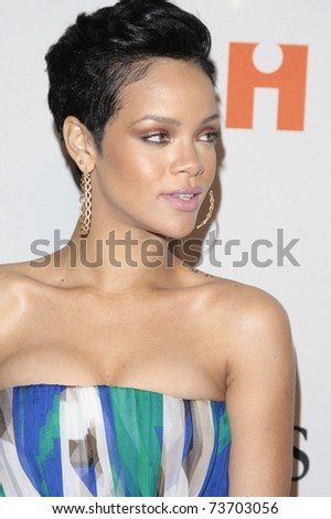 BEVERLY HILLS - FEB 7:  Rihanna arriving at the Clive Davis and The Recording Academy present the Annual Pre-Grammy Gala in Beverly Hills, California on February 7, 2009.