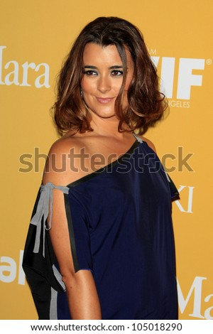 BEVERLY HILLS - JUN 12: Cote de Pablo at the 2012 Women In Film Crystal + Lucy Awards held at The Beverly Hilton Hotel on June 12, 2012 in Beverly Hills, California