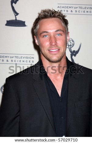 BEVERLY HILLS - JUN 24: Kyle Lowder arrive at the TV Academy reception