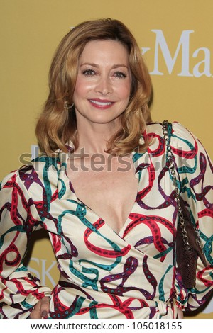 BEVERLY HILLS - JUN 12: Sharon Lawrence at the 2012 Women In Film Crystal + Lucy Awards held at The Beverly Hilton Hotel on June 12, 2012 in Beverly Hills, California