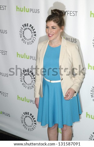 BEVERLY HILLS - MARCH 13: Mayim Bialik arrives at the 2013 Paleyfest \