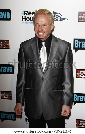 BEVERLY HILLS - OCT 11:  Publicist Elliot Mintz at the Bravo's 'The Real Housewives of Beverly Hills' series party at Trousdale, Beverly Hills, California on October 11, 2010.