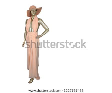 beyaz zeminde giysili ve şapkalı cansız manken siyah beyaz Stok fotoğraf ©