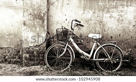 Bicycle in black and white