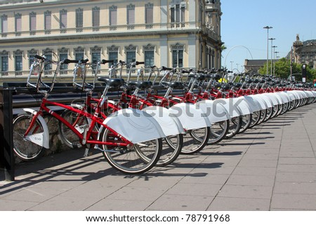 Bicycle parking in the city. Spain Foto stock ©