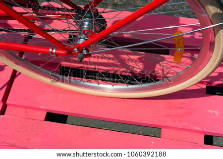 Bicycle wheel, tyre and spokes, type and variety of wheels of two-wheeled vehicle #1060392188