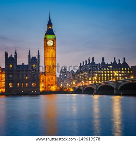 Big Ben and Houses of parliament at night, London, UK #149619578
