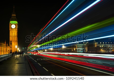 Big Ben and the light trail