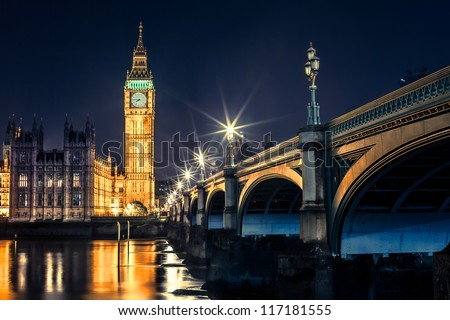 Big Ben Clock Tower and Parliament house at city of westminster London England UK