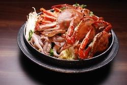 Big crab and vegetable hot pot
