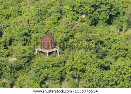 Side of a rusty water tank Images and Stock Photos - Avopix com