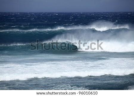 Big wave crashing