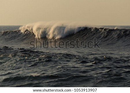 Big waves one hour before sunset